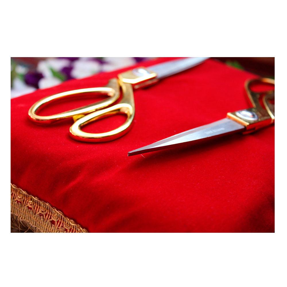 Подушка декоративная красная бархатная для ножниц и торжеств